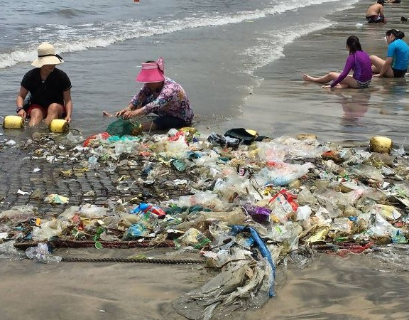 plástico-no-mar