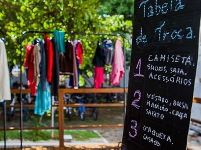 iniciativa-incentiva-a-troca-de-roupas-nao-usadas-pelas-pessoas
