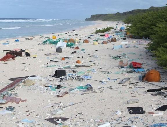lixo-em-ilha-no-pacifico