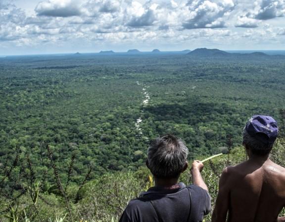 O ISA, a Foirn, a Acir e a ONG Garupa convidam você para a Expedição Serras Guerreiras de Tapuruquara em Terras Indígenas, que acontece em outubro próximo. São dois roteiros diferentes. Escolha o seu e embarque nessa viagem