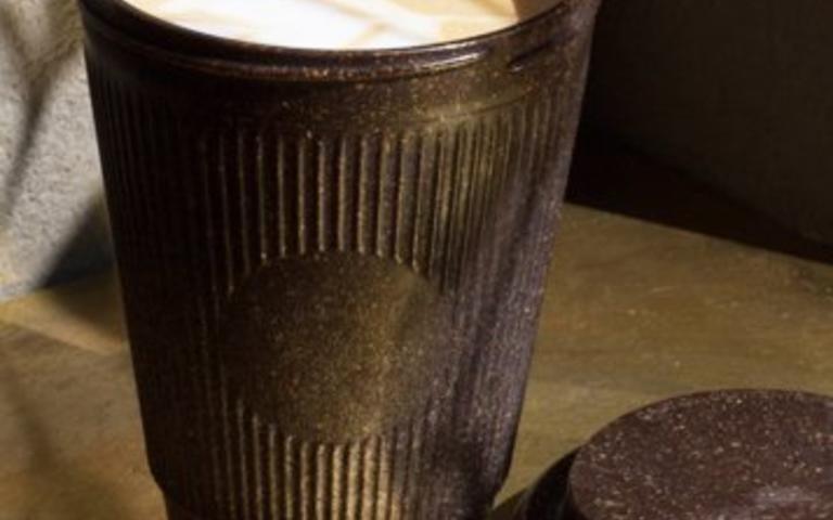 copos são bastante leves, duráveis, resistentes às máquinas de lavar louça
