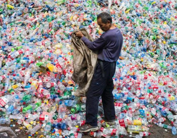 China não vai mais reciclar plástico de outros países