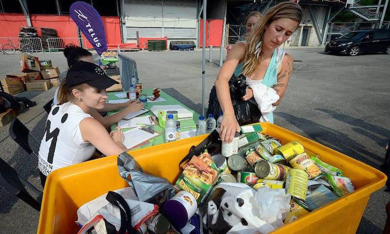 A ONG que recolhe alimentos que seriam jogados no lixo pelos supermercados e doa a quem precisa
